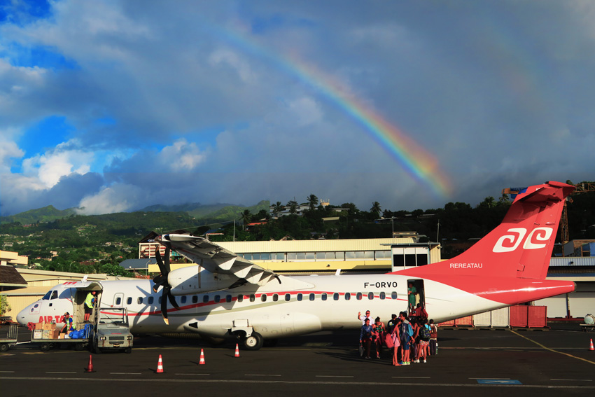 Air Tahiti flight from Papeete - French Polynesia - Rainbow