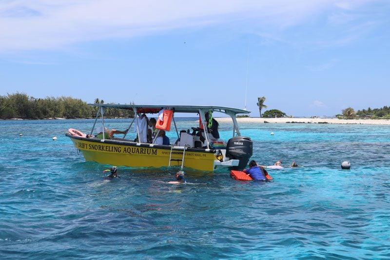 Aquarium Snorkeling tour - Rangiroa Atoll French Polynesia - boat