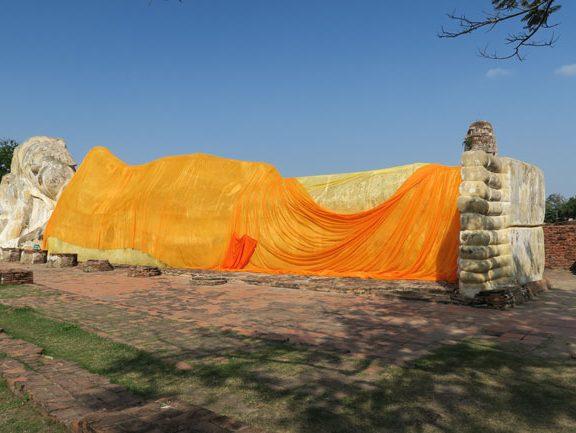 ayutthaya-thailand-reclining-buddha