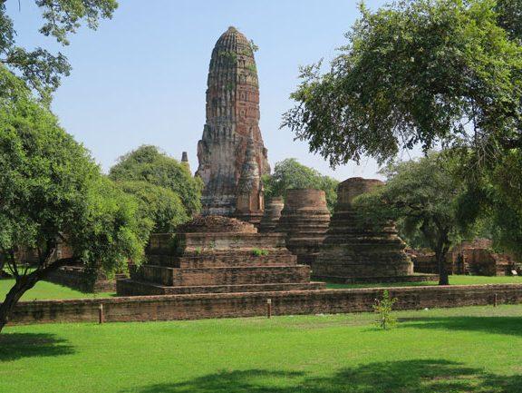 ayutthaya-thailand-temple