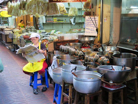 bangkok-chinatown-small-shop