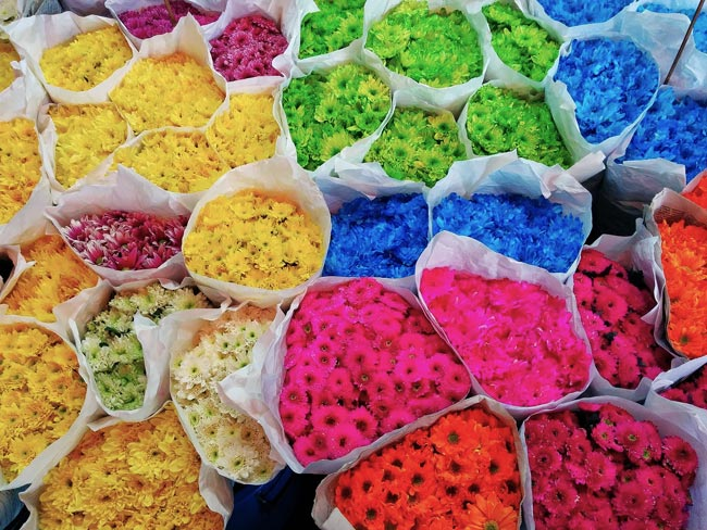 bangkok-flower-market-colorful-flower-boquets