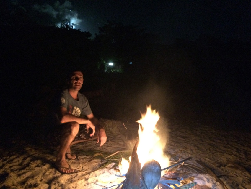 Bon fire with Yann - Moorea - French Polynesia