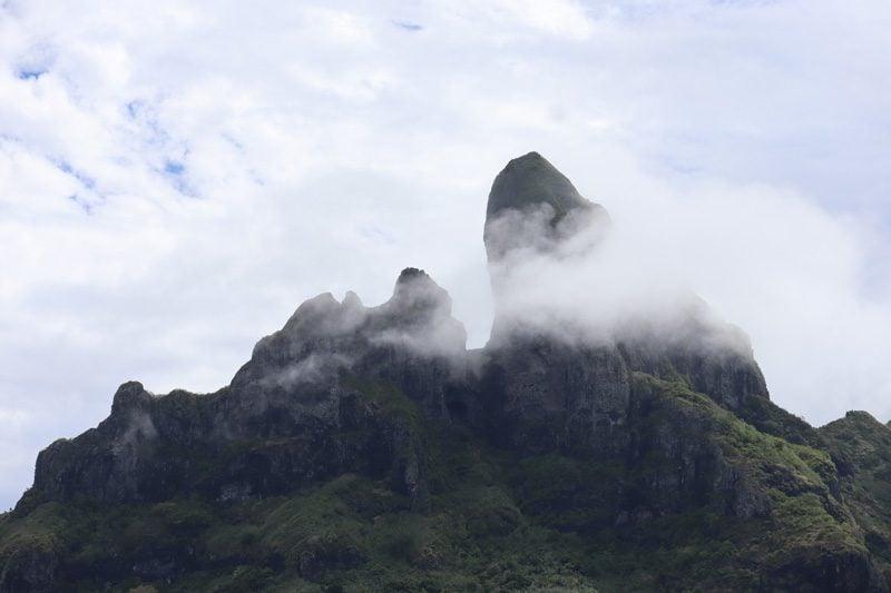 Bora Bora 4X4 Natura Discovery Tour French Polynesia - clouds on mount otemnau