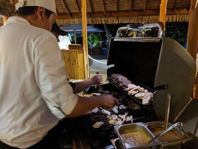Bora Bora Pearl Beach Resort - bbq buffet