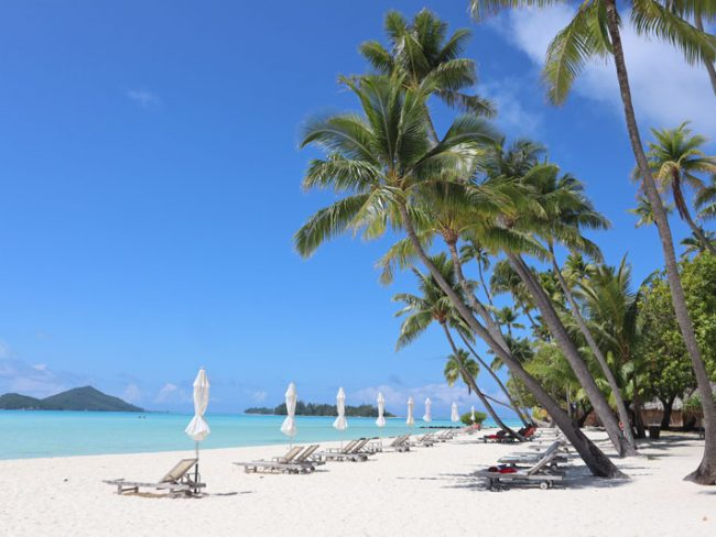 Bora Bora Pearl Beach Resort - white sand beach