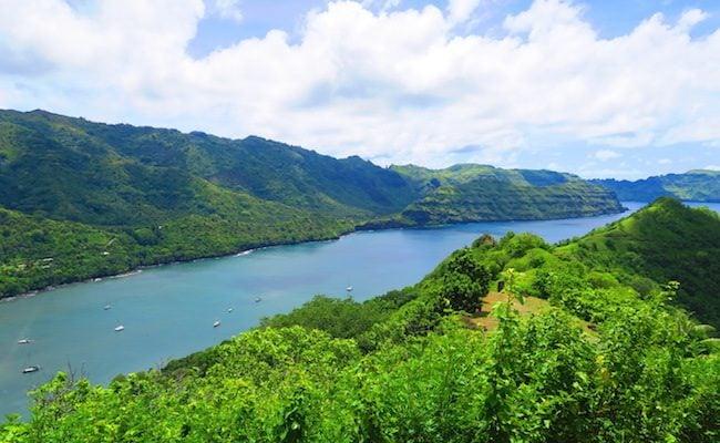 Comptroller Bay nuku hiva marquesas islands - taipivai valley