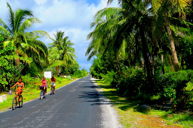 Cycling Rangiroa French Polynesia