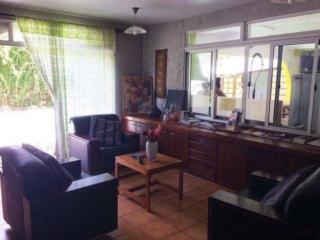 Fare Rea Rea Papeete Tahiti - living room