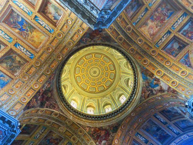 Gesu Nuovo Church Naples - dome interior