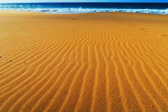 Golden sand in Papohaku Beach - Molokai Hawaii