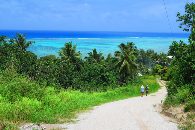 Hiking Mount Maungapu aitutaki cook islands