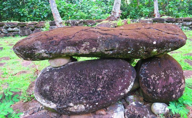Hikokua Site nuku hiva marquesas - human sacrifice stone
