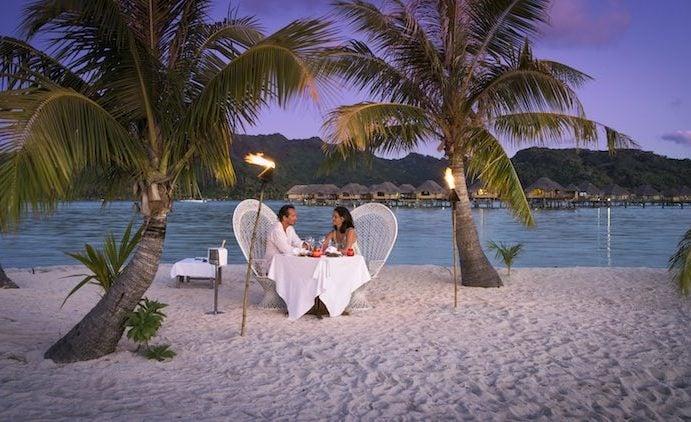 Honeymoon in Tahiti French Polynesia - romantic dinner