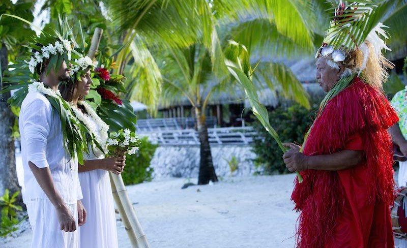Honeymoon in Tahiti French Polynesia - traditional Tahitian wedding