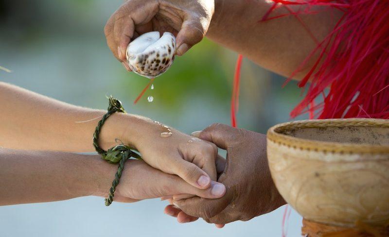 Honeymoon in Tahiti French Polynesia - wedding ceremony
