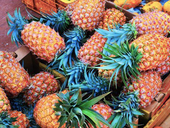 Kaunakakai Saturday Market - Molokai - Hawaii - pineapple