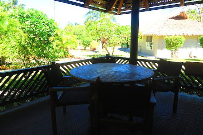 Lagoon Breeze Villas Rarotonga - Polynesian villa deck