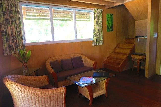 Lagoon Breeze Villas Rarotonga - Polynesian villa living area