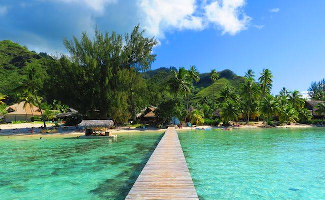 Les Tipaniers Beach Moorea French Polynesia pontoon