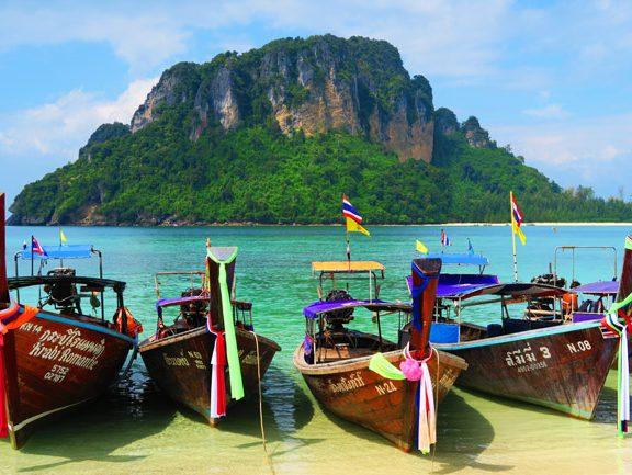 longboats-in-tup-island-thailand