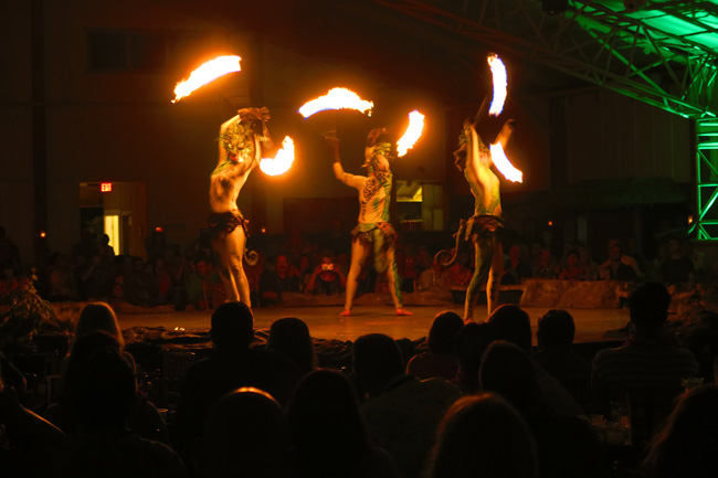 Luau Kalamaku - Polynesian fire show - Luau in Kauai, Hawaii