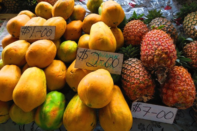 Maketi Fou Apia main market Samoa - mango pineapple