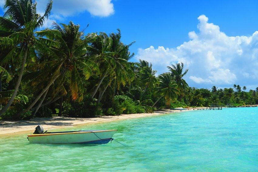 Motu Auira - Maupiti - French Polynesia - Boat