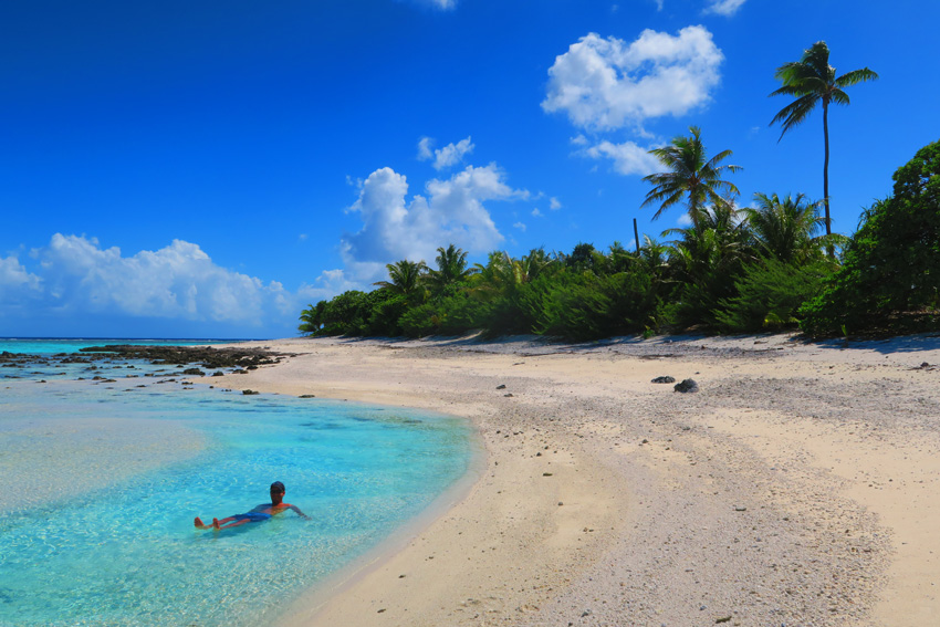 Motu Auira - Maupiti - French Polynesia - Swimming in Natural Pool