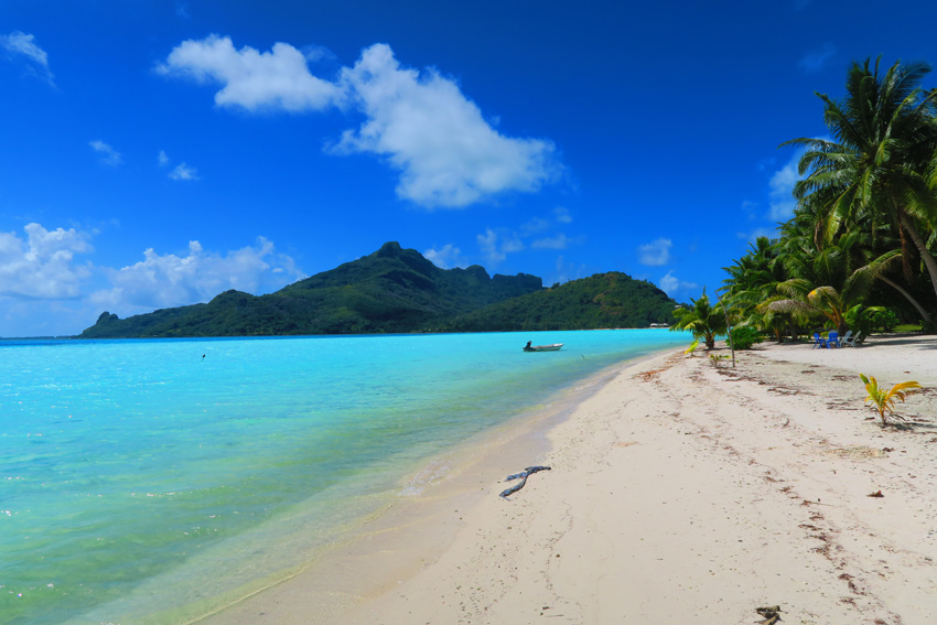 Motu Auira - Maupiti - French Polynesia - View of Main Island