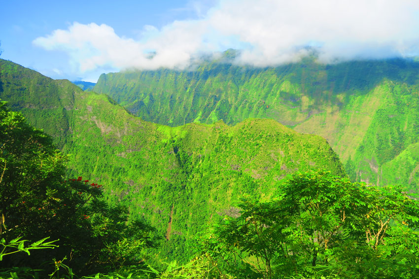 Mount Aorai Hike - Tahiti Mountains - French Polynesia