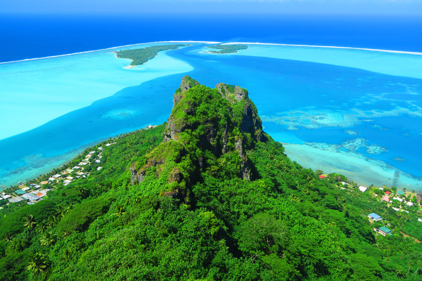 Mount Teurafaatiu Hike - Maupiti - French Polynesia - Summit