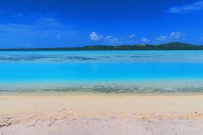 O'otu beach aitutaki lagoon color