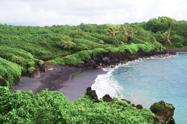 Pa'iloa Black Sand Beach - Maui - Hawaii