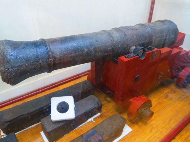 Pitcairn Island Museum -bounty canon