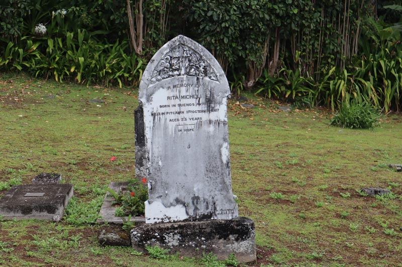 Pitcairn Island - grave