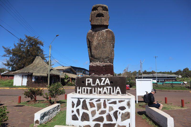 Plaza Hotu Matua - Hanga Roa - Easter Island