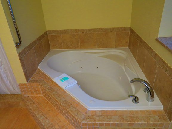 Princeville Kauai accommodation - Wyndham Ka 'Eo Kai Hawaii - hot tub