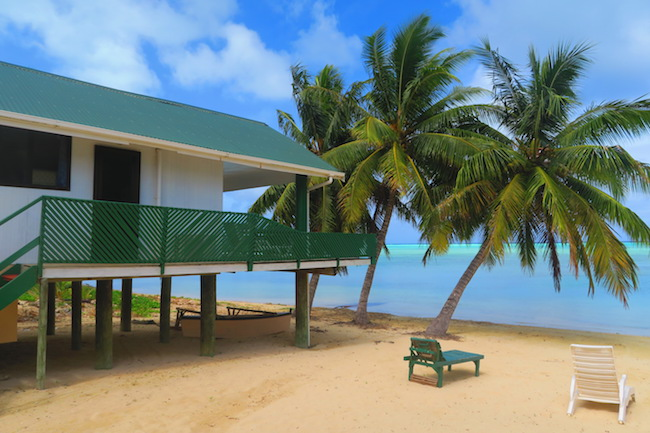 Rinos Motel Aitutaki Cook Islands - beach bungalow