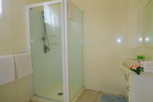 Rinos Motel Aitutaki Cook Islands - shower