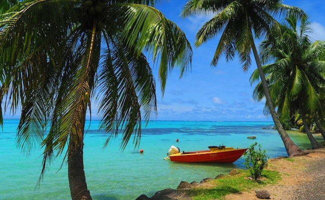 Ta'ahiamanu Mareto Beach Moorea French Polynesia boat