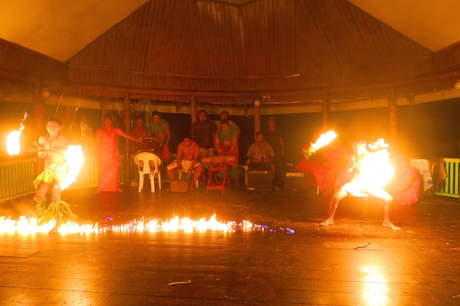 Taufua Beach Fales Lalomanu Samoa - Fire Show