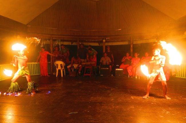 Taufua Beach Fales Lalomanu Samoa - Teaditional Fire Show