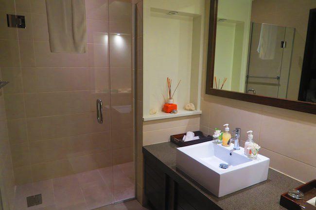 Te Vakaroa luxury villas rarotonga - bathroom