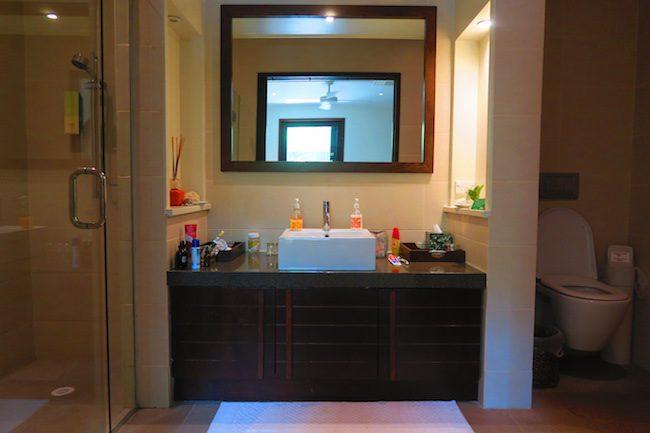 Te Vakaroa luxury villas rarotonga - mirror