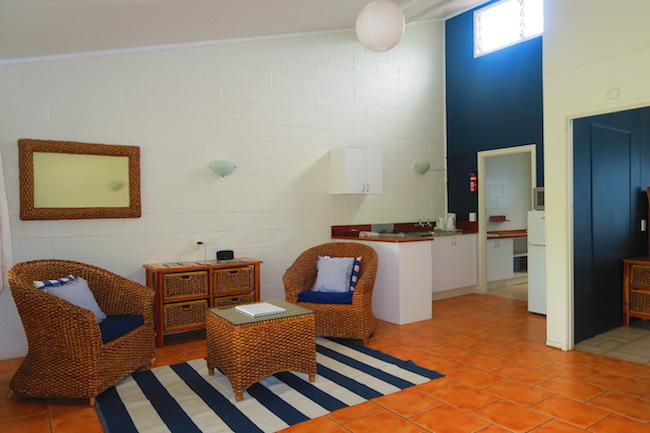 The Black Pearl At Puaikura Rarotonga Cook Islands - pool view living area