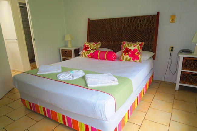 The Black Pearl At Puaikura Rarotonga - garden view bedroom