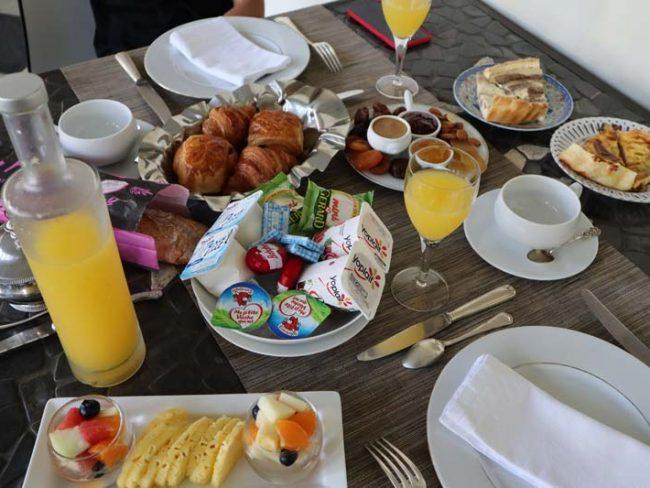 Villa Belle - St Pierre accommodation - Reunion Island - breakfast
