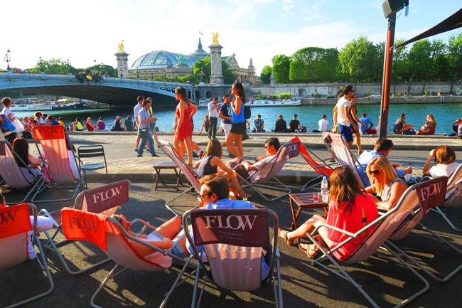 bar on the seine
