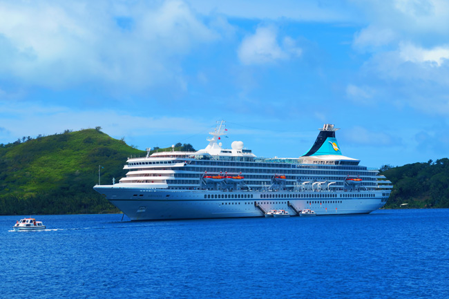 cruise ship in bora bora french polynesia